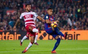 Barcelona sin Messi golea al Granada de Ochoa