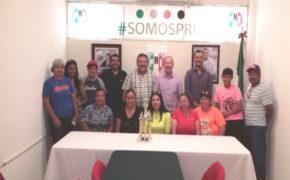 Visitan al PRI subcampeonas estatales de softbol femenil