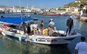 Limpian fondo marino de bahía de CSL
