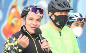 Participa Raúl Alcalá  en carrera ciclista con alcalde Rubén Muñoz