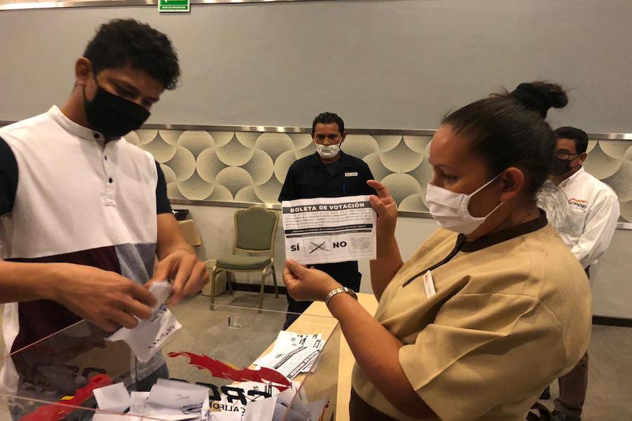 Ratifican trabajadores de Hotel Riu Santa Fe representación sindical a la CROC
